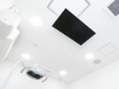 天井に設置されているテレビ